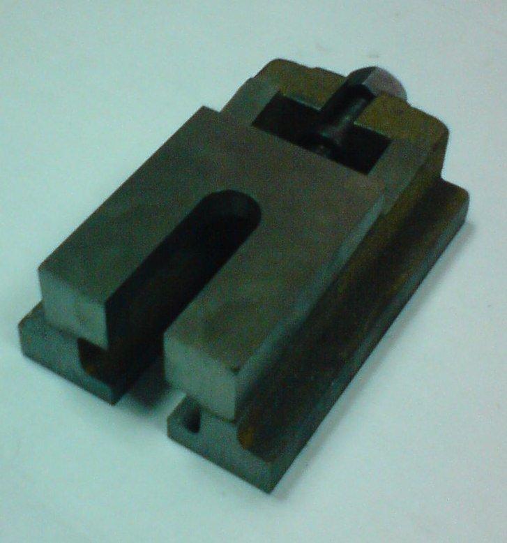 Опоры клиновые регулируемые предназначены для установки металлообрабатывающих станков. / Опора клиновая / Металлообработка в Ниж